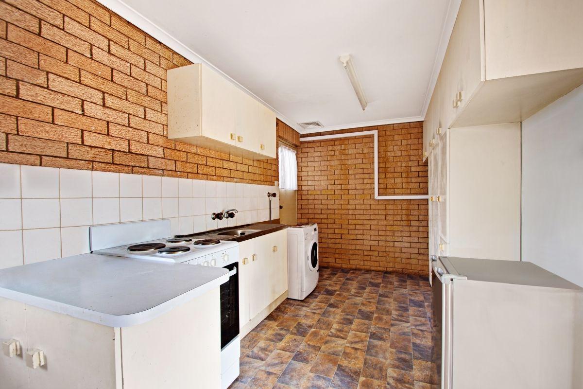 266 West Street, Kearneys Spring QLD 4350, Image 1