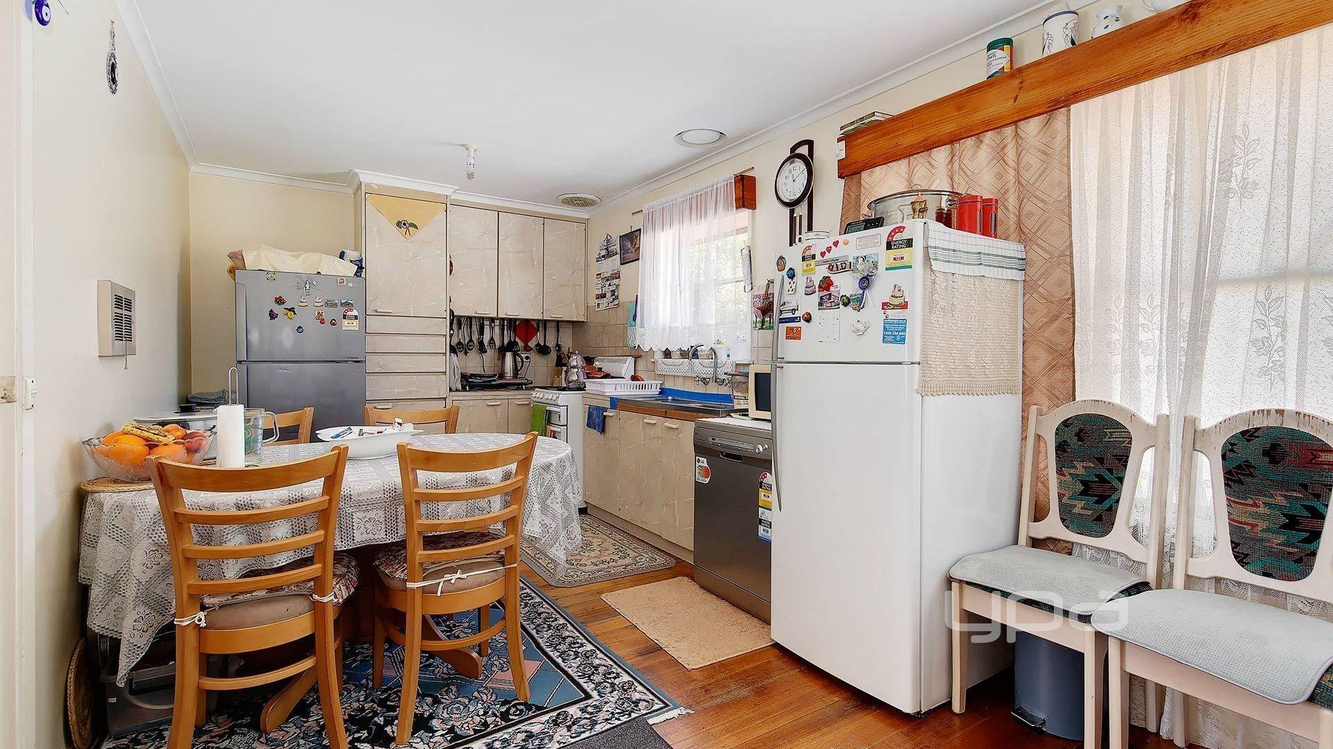 81 Almurta Avenue, Coolaroo VIC 3048, Image 2