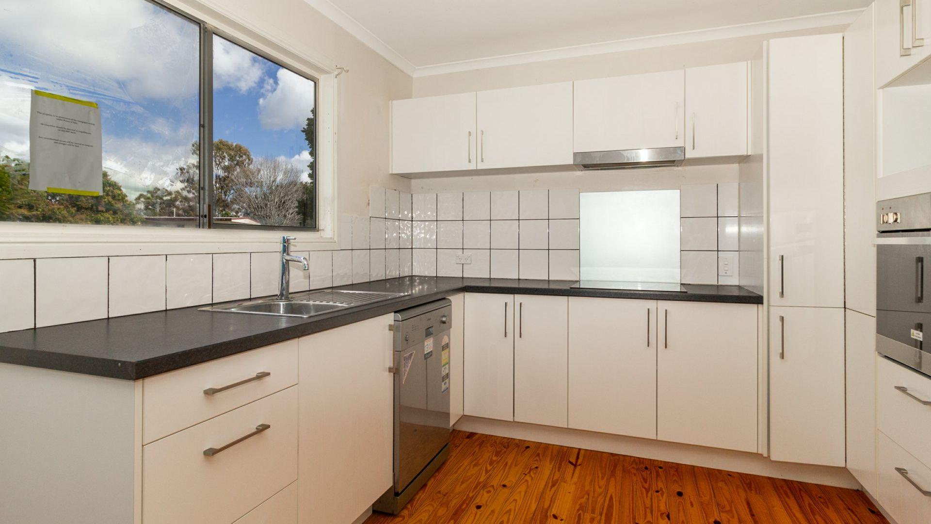 10 Thora Street, Crestmead QLD 4132, Image 1