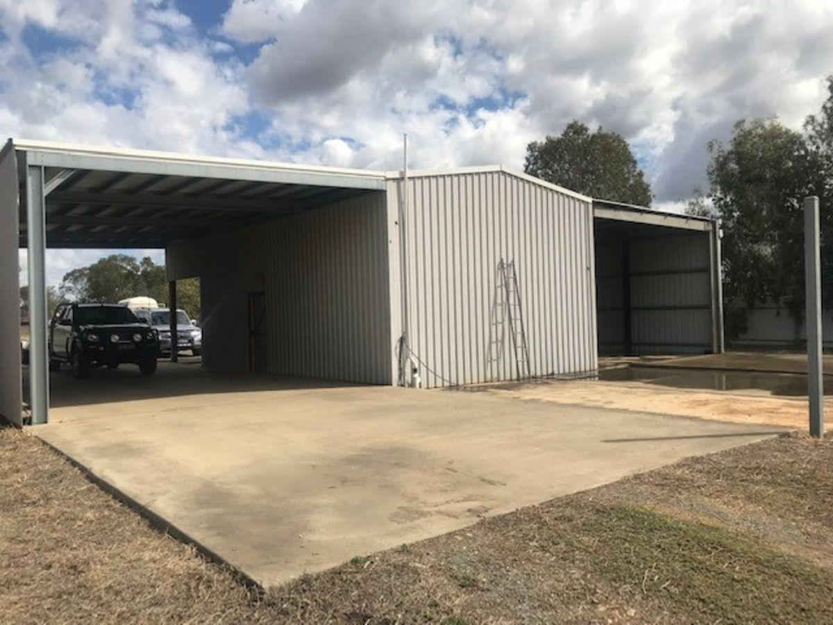 105 Foster Street, Gracemere QLD 4702, Image 2