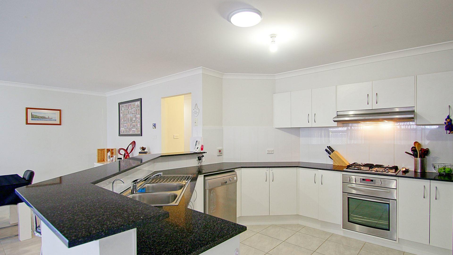 27 Capeland Avenue, Sanctuary Point NSW 2540, Image 2