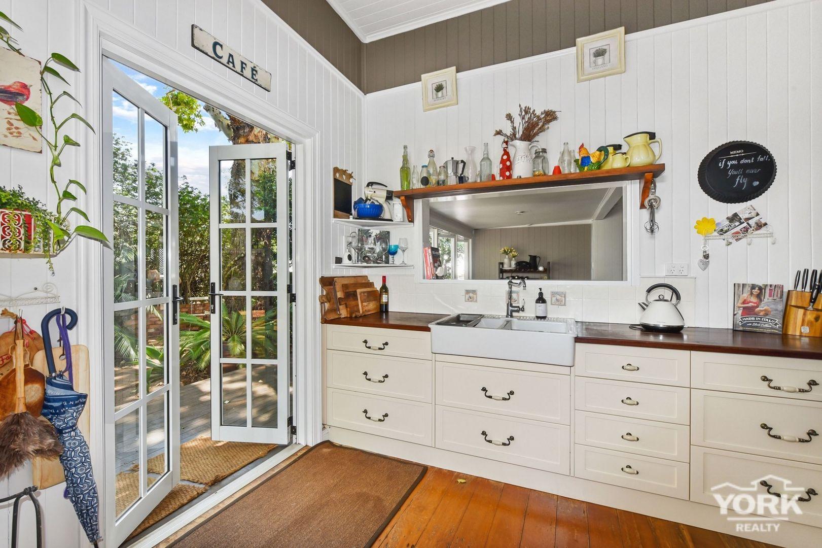 8 Atkinson Street, South Toowoomba QLD 4350, Image 2