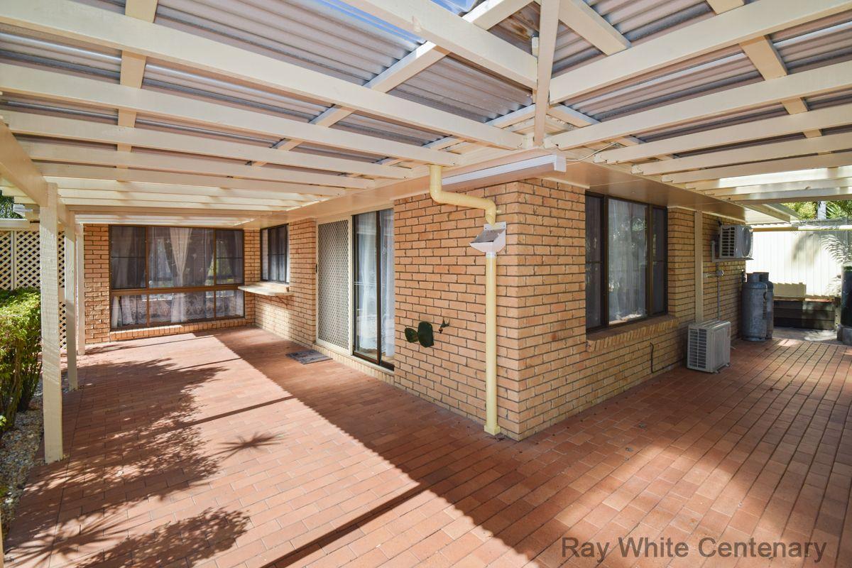 27 Wanata St, Sinnamon Park QLD 4073, Image 1