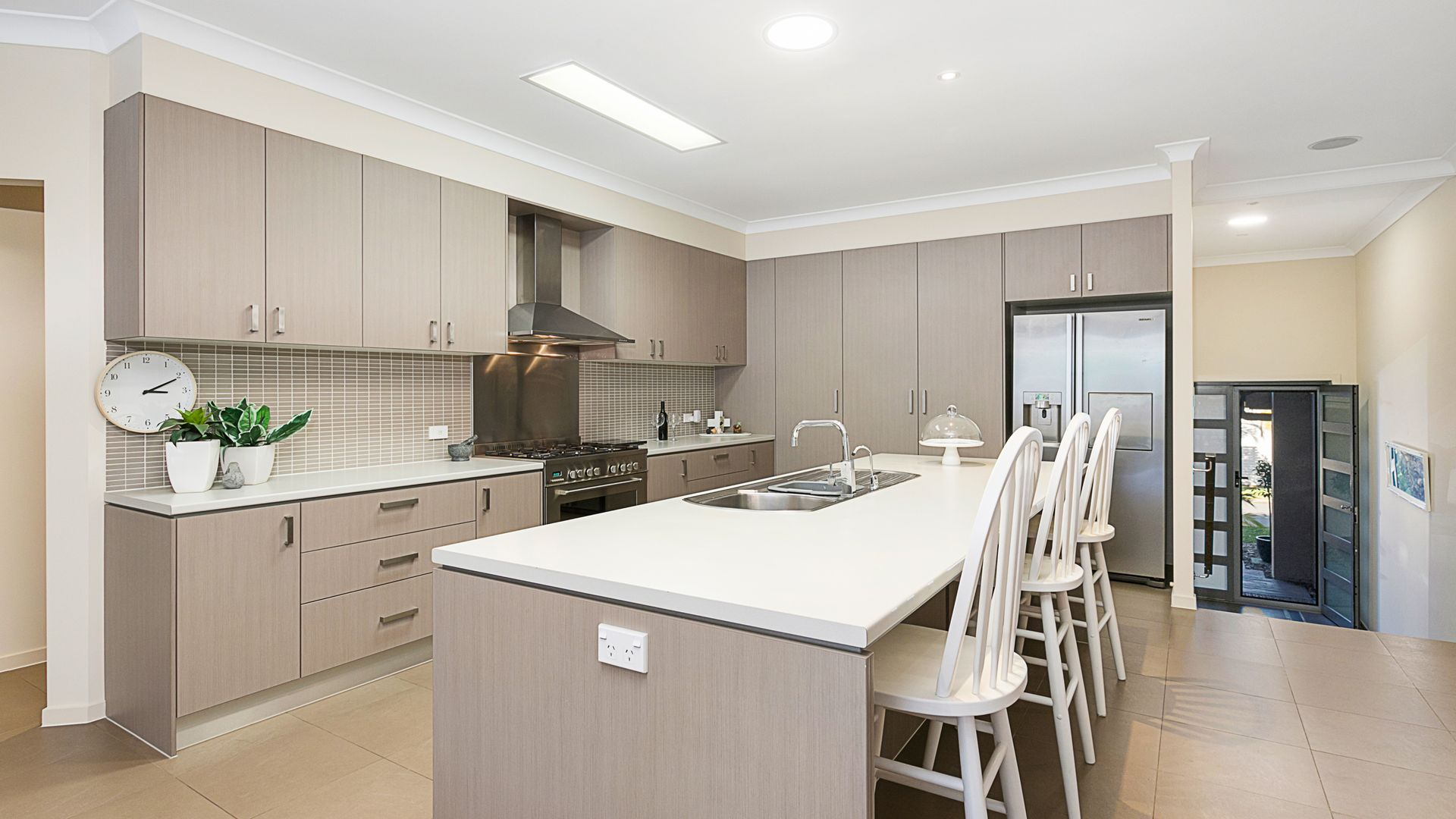 72 Denham Boulevard, Redland Bay QLD 4165, Image 2