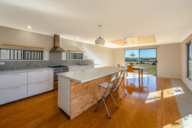 Picture of 50 Redcliffe Concourse, WHITE PEAK WA 6532