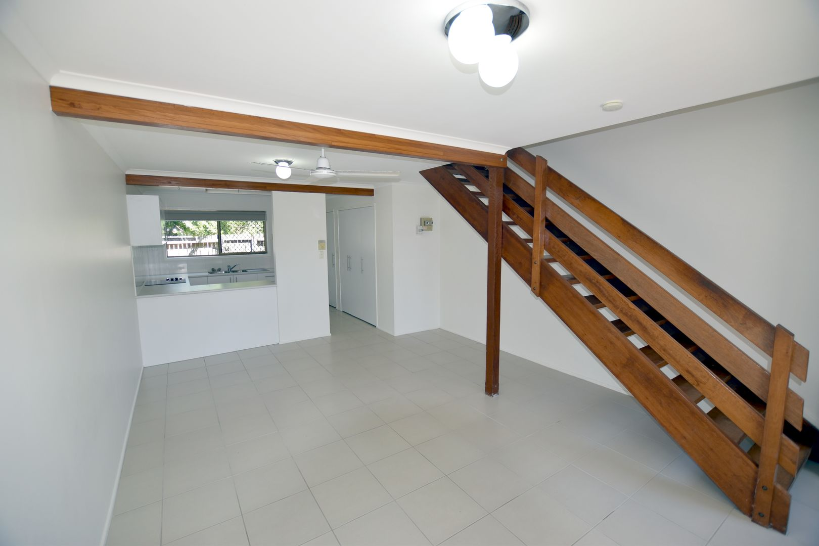 2/136 Oaka Lane, Gladstone Central QLD 4680, Image 2