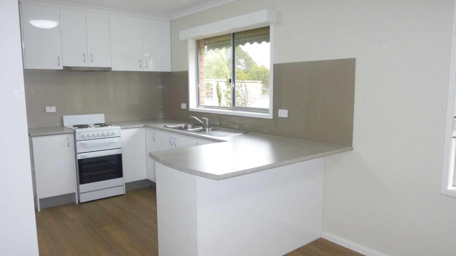 19 Glebe Avenue, Bega NSW 2550, Image 2