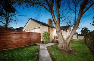 Picture of 23 Sinclair Crescent, Mac Leod VIC 3085