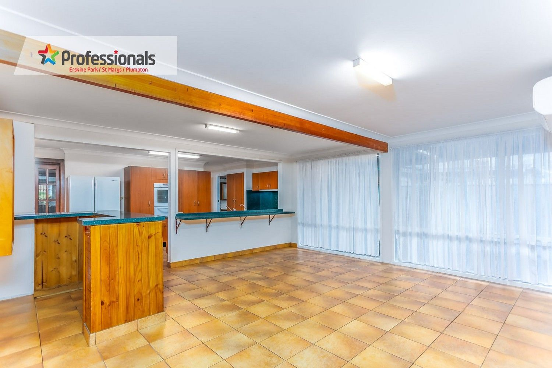 12 Heron Crescent, St Clair NSW 2759, Image 2