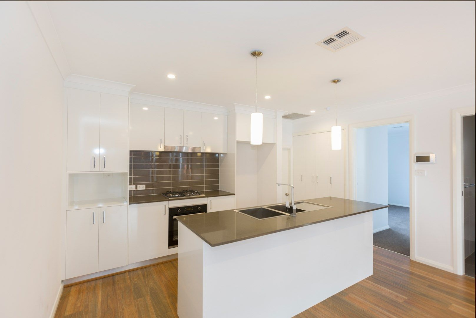 4/4 Skewes Street, Casey ACT 2913, Image 0
