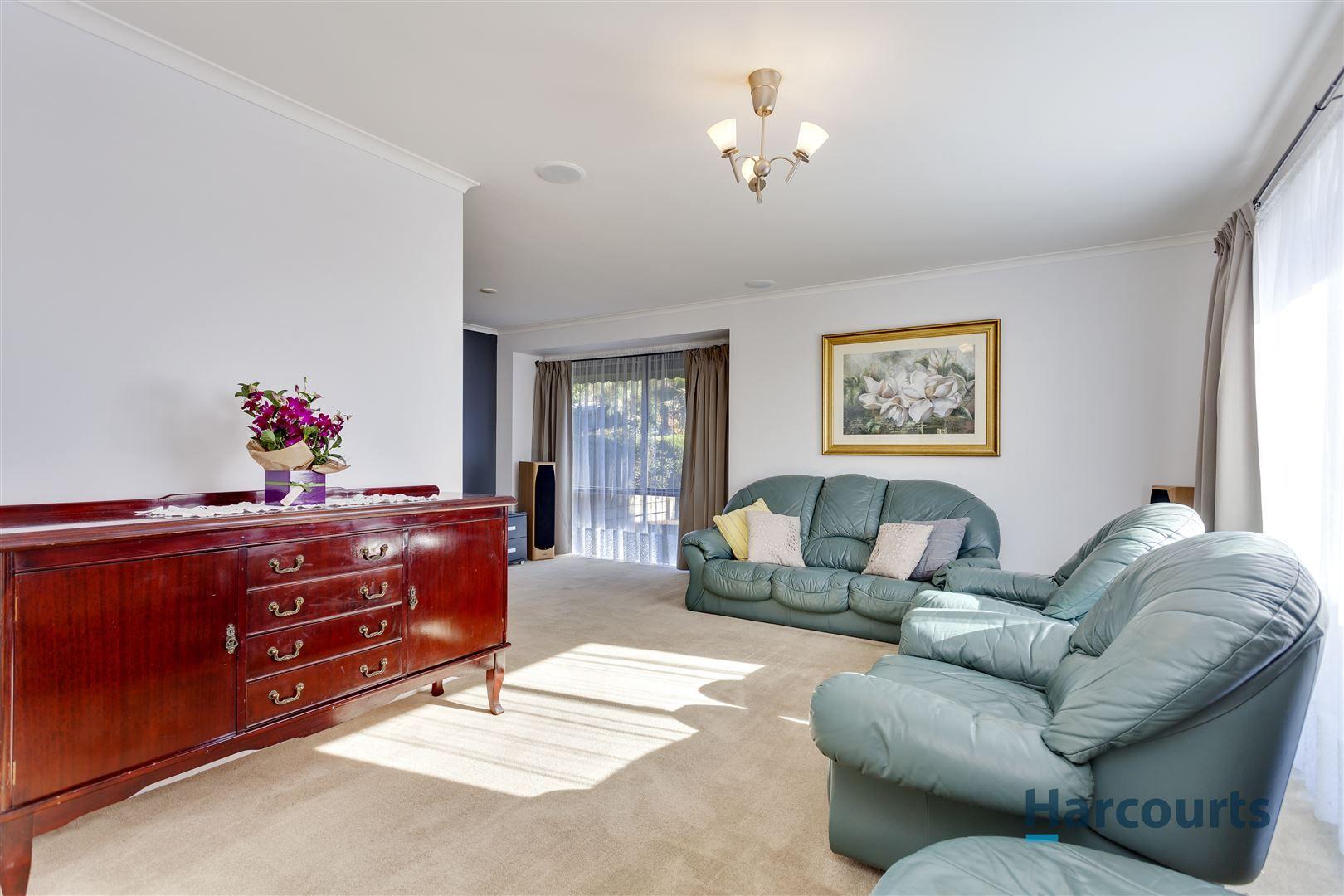 4 Croydon Hills Drive, Croydon Hills VIC 3136, Image 1