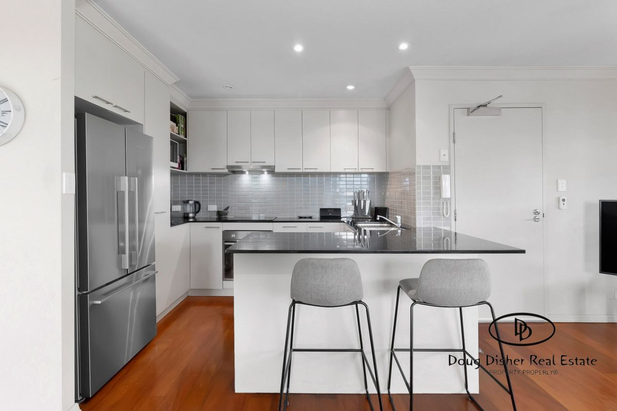 201/21 Miles Street, Clayfield QLD 4011, Image 2