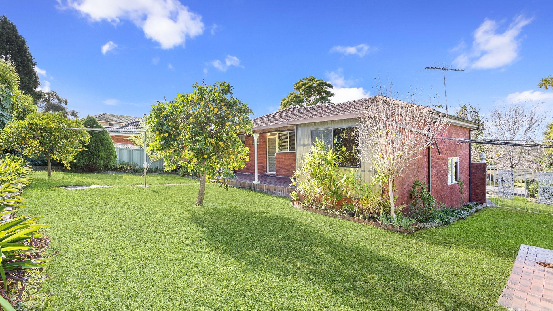 21 Wyldwood Crescent, Baulkham Hills NSW 2153, Image 2
