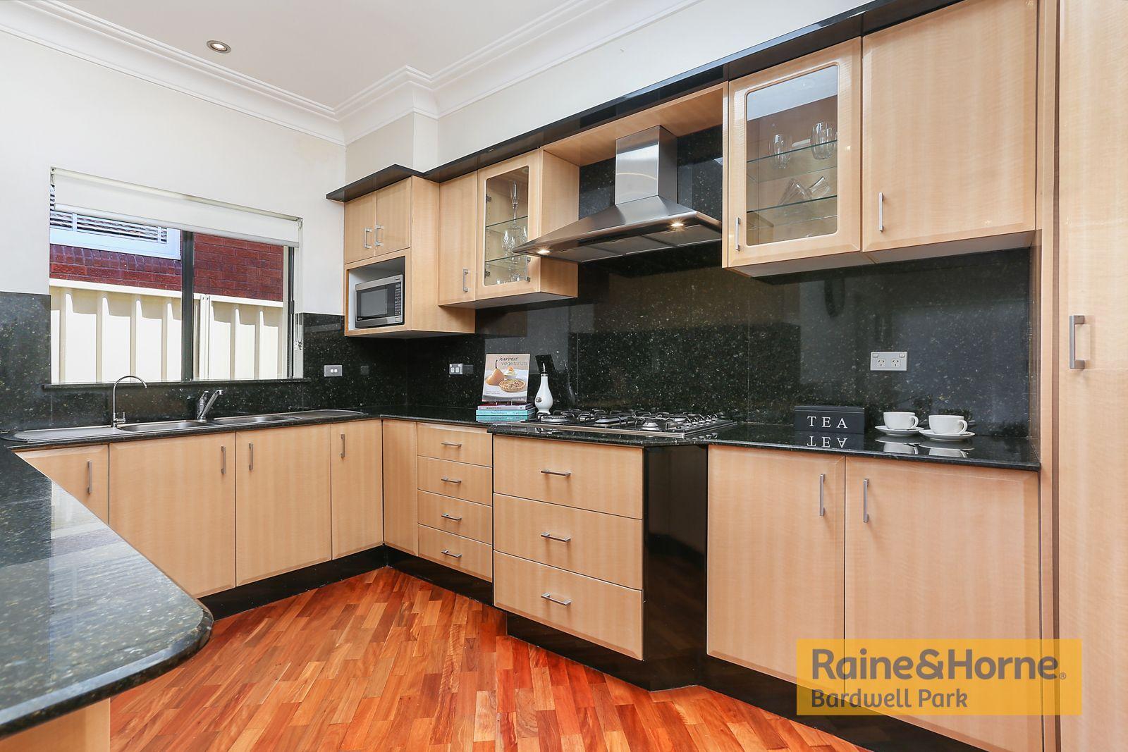 16 Turton Avenue, Clemton Park NSW 2206, Image 2