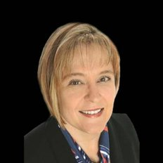 Leoni Strydom | RE/MAX Extreme | Real Estate Agent in 6/74