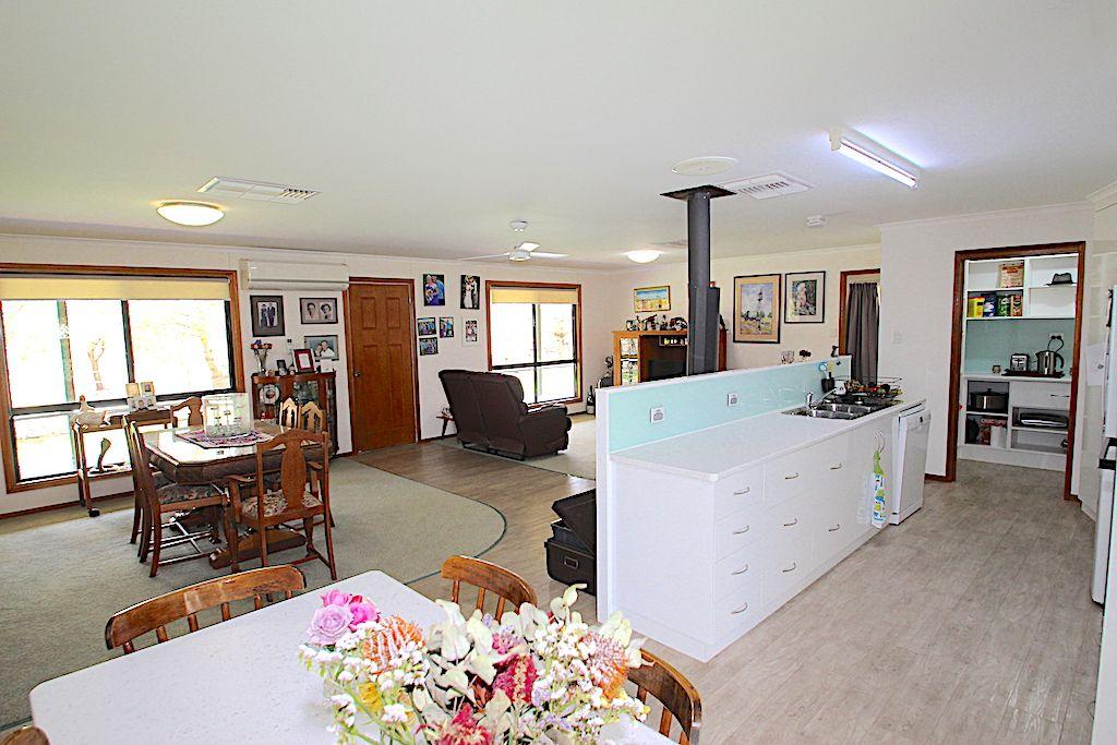 119 Upper Bowen Street, Roma QLD 4455, Image 2