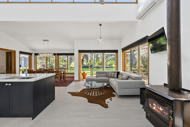 Picture of 535 Pettavel Road, FRESHWATER CREEK VIC 3217