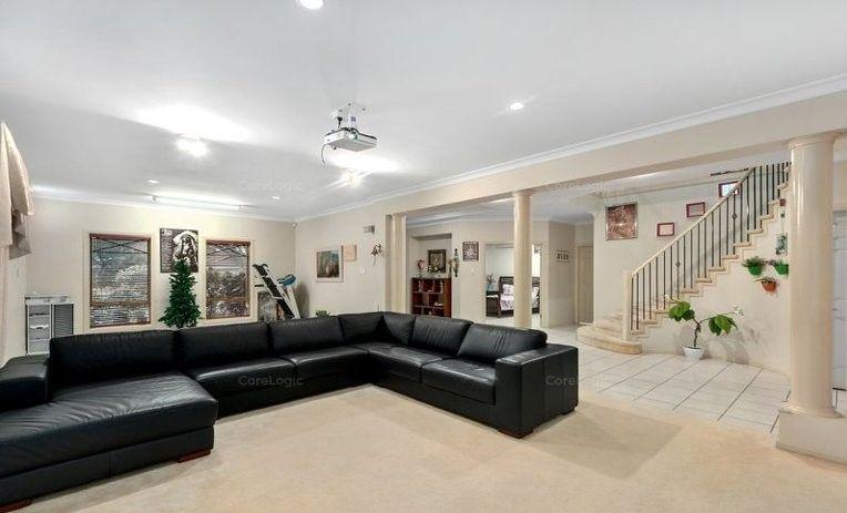 8 Lochern Court, North Lakes QLD 4509, Image 2