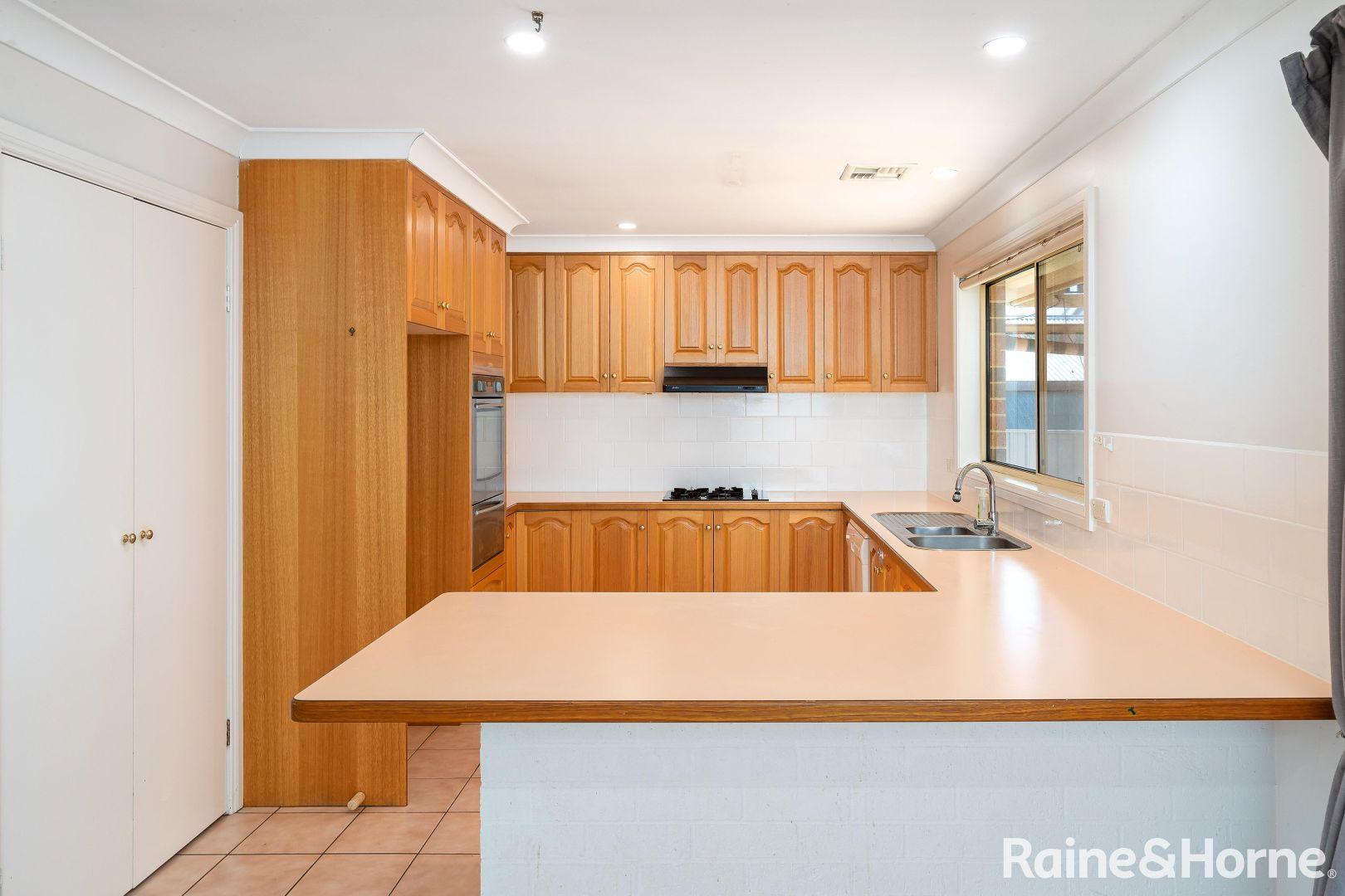 30 Lamilla Street, Glenfield Park NSW 2650, Image 2