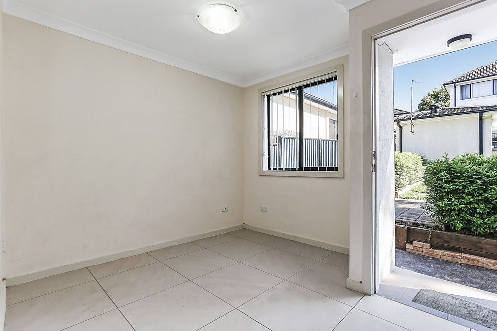 11a Amy Road, Peakhurst NSW 2210, Image 2