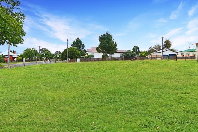 Picture of 249 Douglas Street, TENTERFIELD NSW 2372