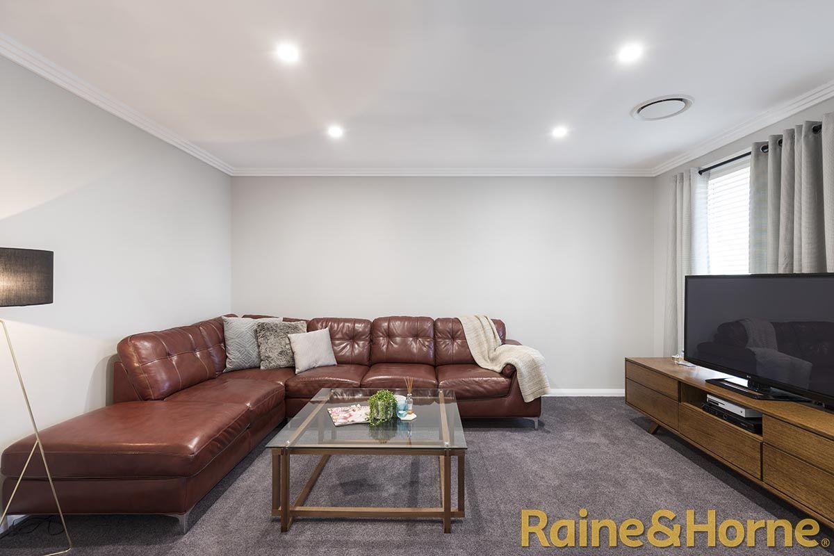 5 Ellenborough Avenue, Dubbo NSW 2830, Image 2