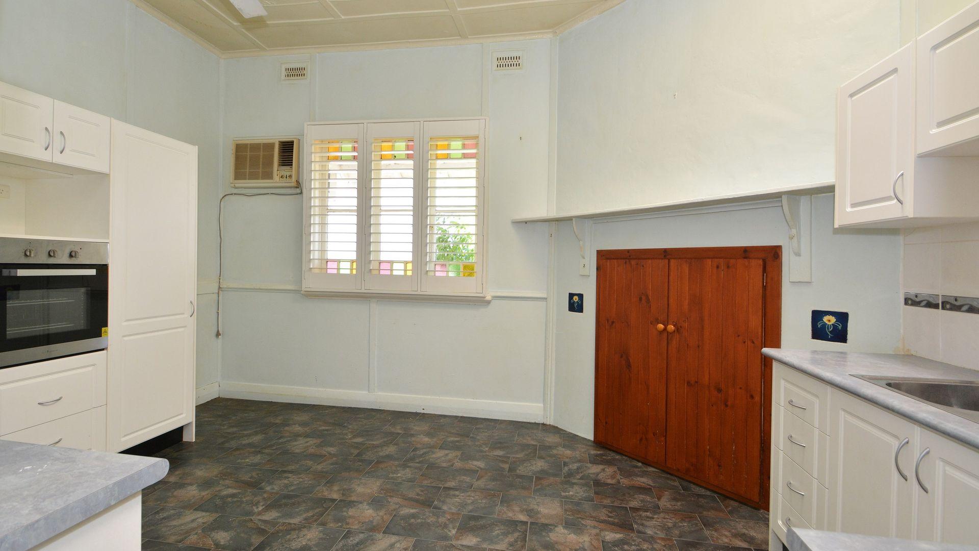 20 Lambert Street, Cessnock NSW 2325, Image 2