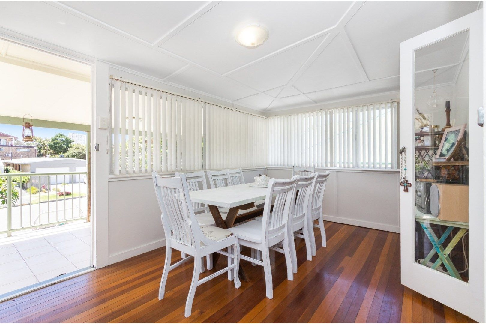 8 Fourteenth Avenue, Palm Beach QLD 4221, Image 2