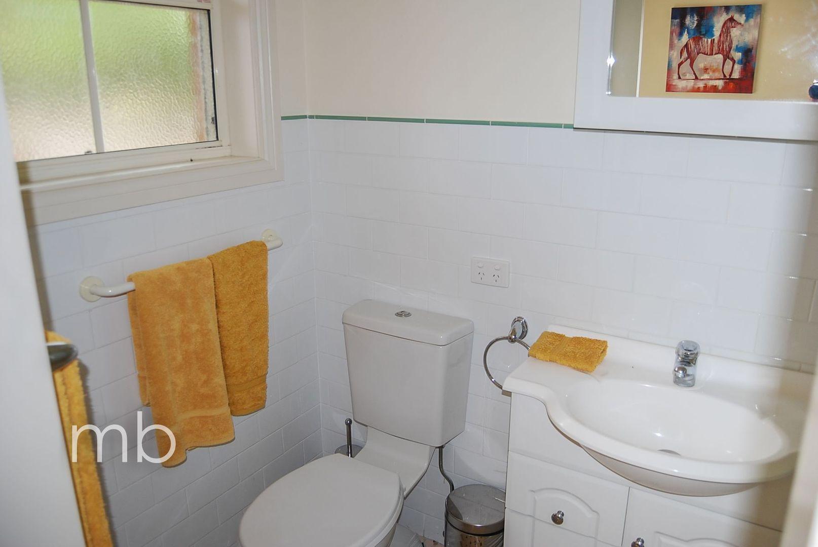 Room 2, 21 Wirruna Avenue, Orange NSW 2800, Image 2