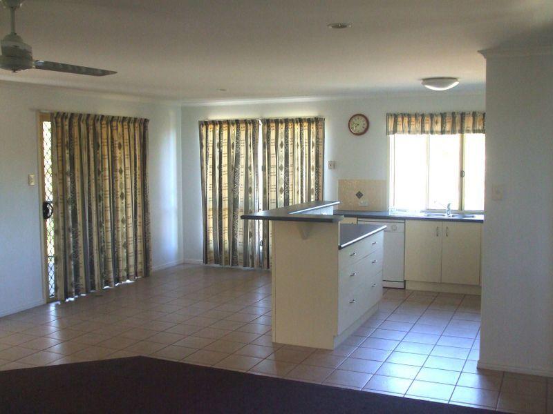 32 PRYDE STREET, Tannum Sands QLD 4680, Image 1