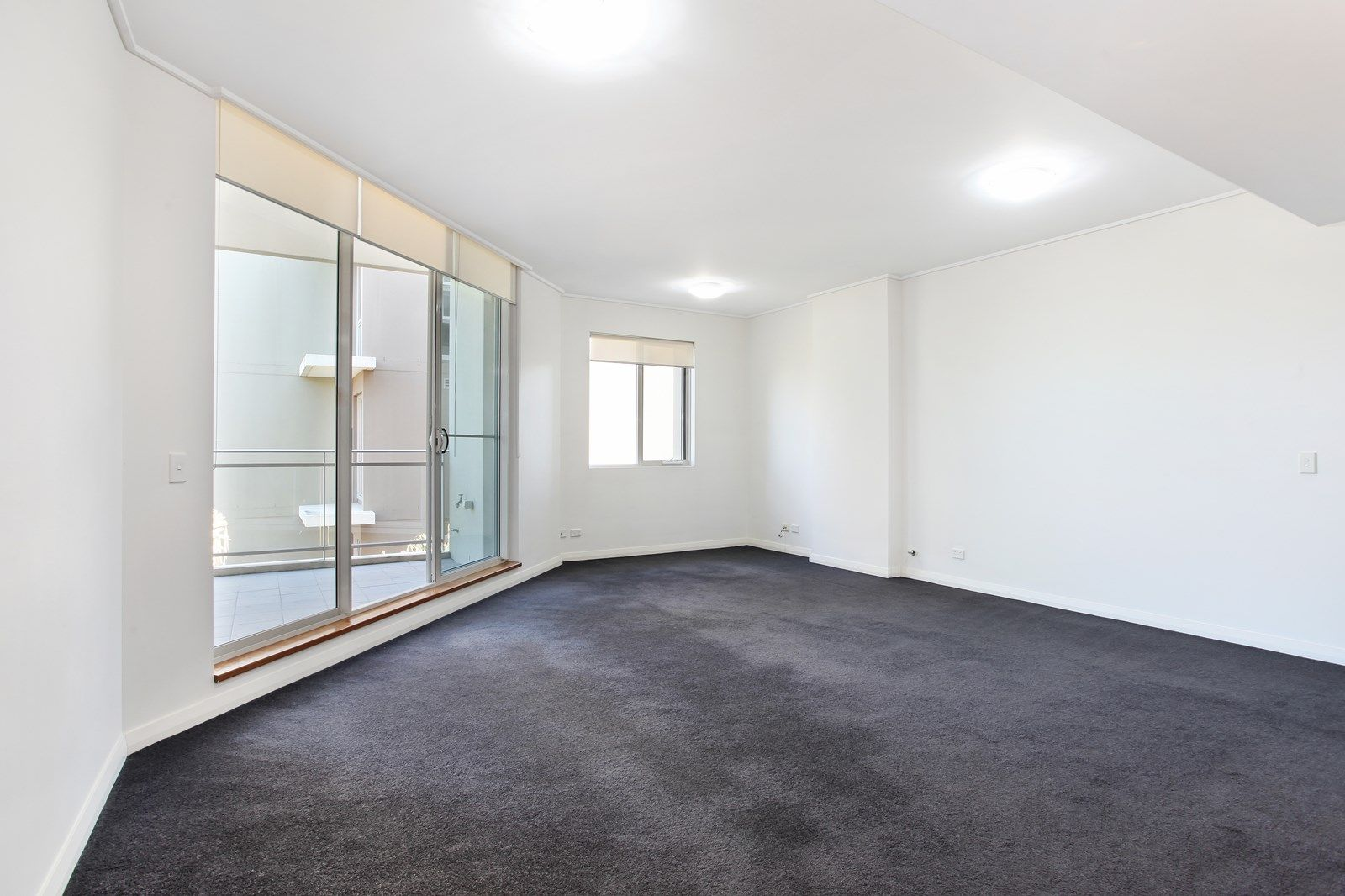 549/46 Baywater Drive, Wentworth Point NSW 2127, Image 2