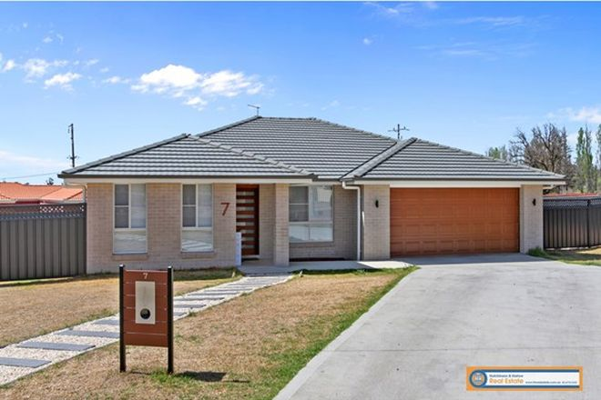 Picture of 7 Pointsfield Place, ARMIDALE NSW 2350