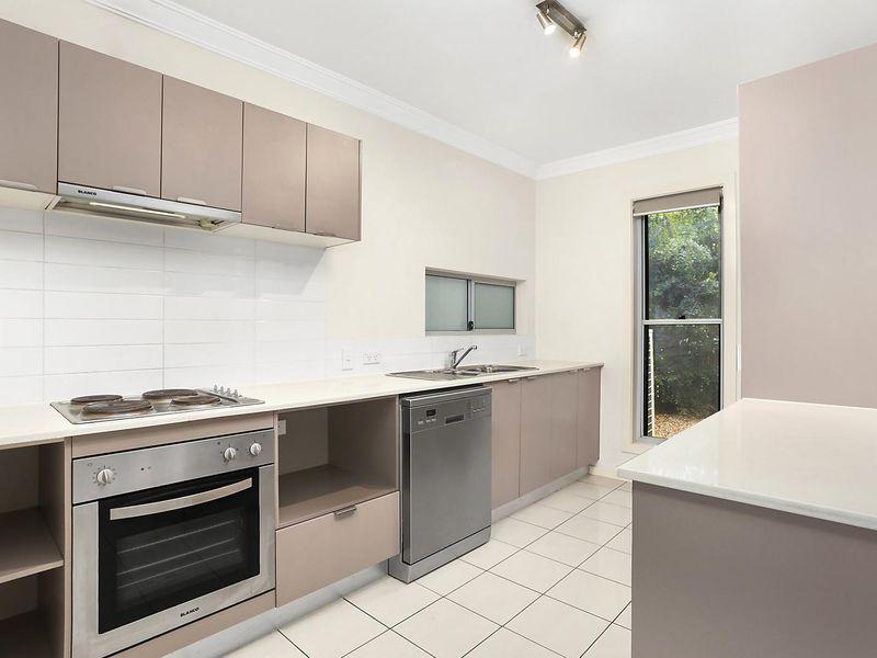 7/9 Windsor Street, Hamilton QLD 4007, Image 2