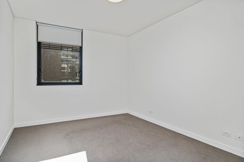 6403/162 Ross Street, Forest Lodge NSW 2037, Image 2
