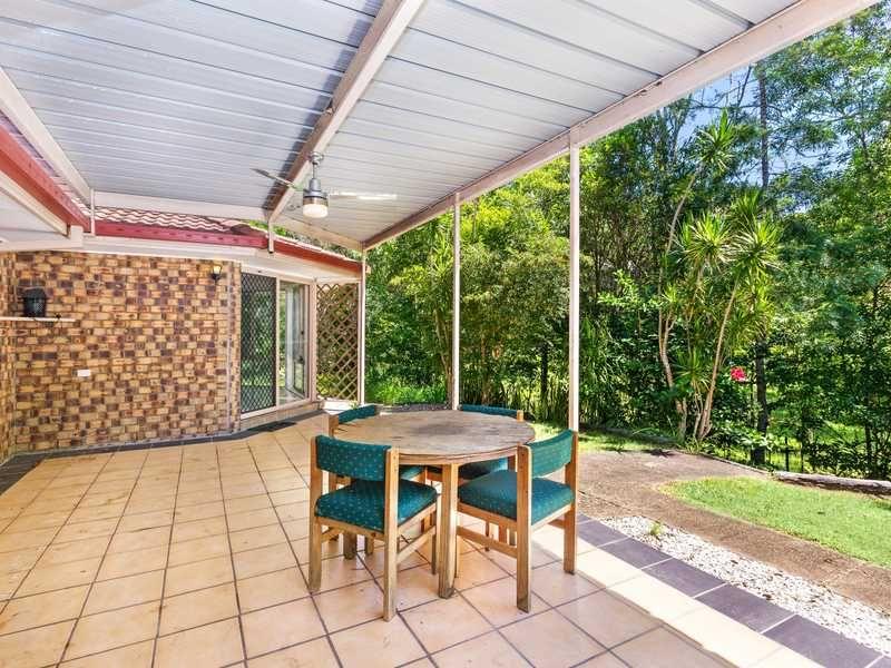 27 Ben Lomond Drive, Highland Park QLD 4211, Image 2