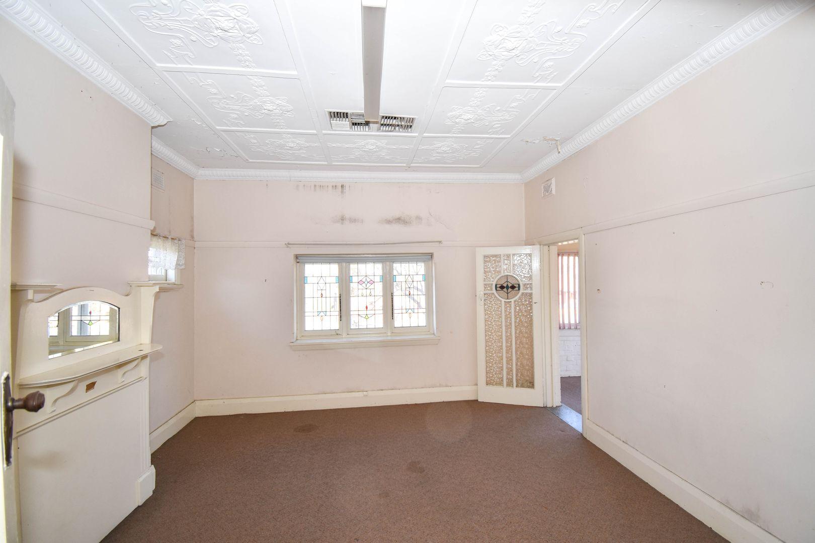 229 Stewart Street, Bathurst NSW 2795, Image 2