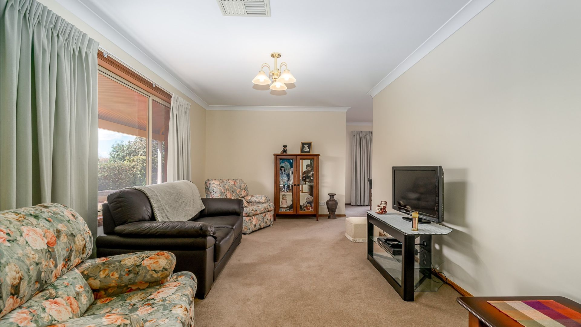 6R Numbardie Drive, Dubbo NSW 2830, Image 2