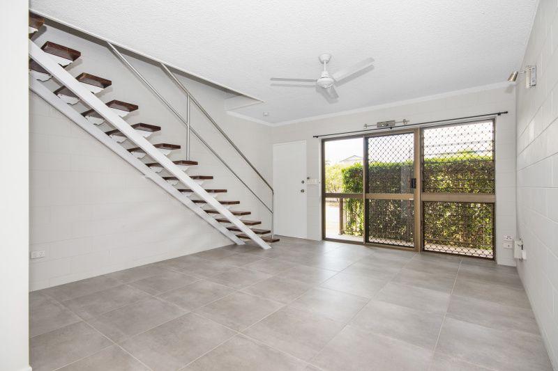 8/25-27 Roberts Street, Hermit Park QLD 4812, Image 1