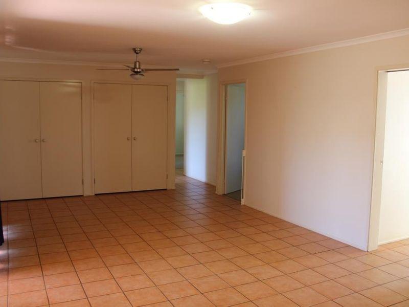 27 BOTTLEBRUSH STREET, Kingaroy QLD 4610, Image 2