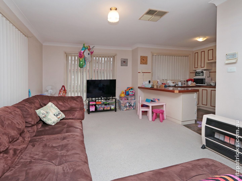 8/2 Kenneally Street, Kooringal NSW 2650, Image 2