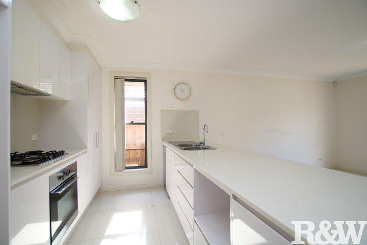 12 Twynam Place, Minto NSW 2566, Image 2