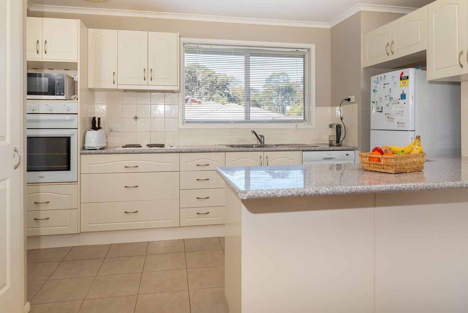 17 Cook Avenue, Surf Beach NSW 2536, Image 0