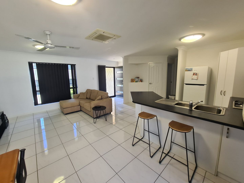 18 Bauhinia Street, Boyne Island QLD 4680, Image 2
