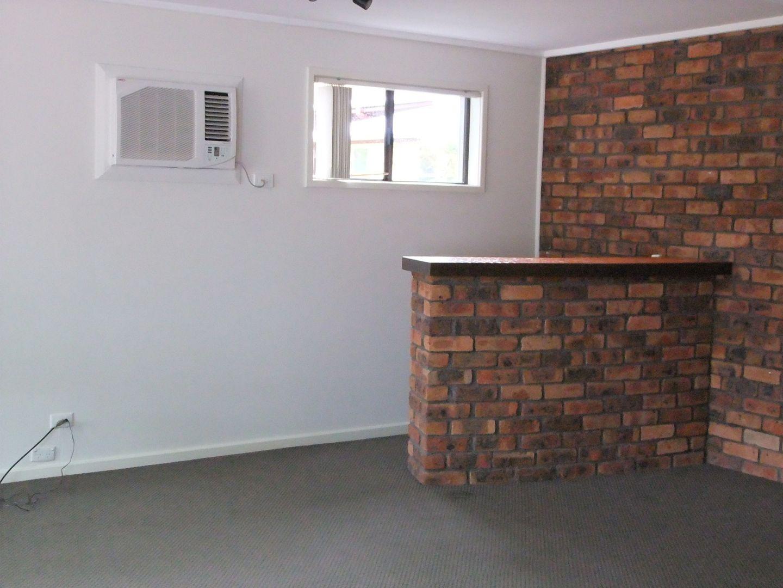 2/94 George Street, Singleton NSW 2330, Image 1