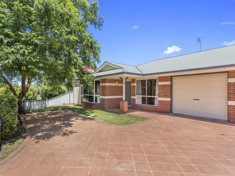 1/392 Stenner Street, Kearneys Spring QLD 4350, Image 0