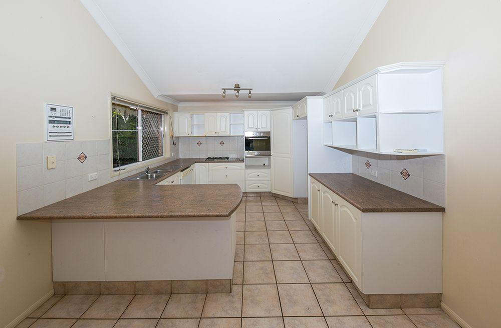 29 Lorikeet Place, Wishart QLD 4122, Image 1