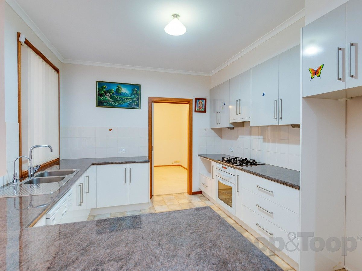 11 Wentworth Court, Golden Grove SA 5125, Image 2