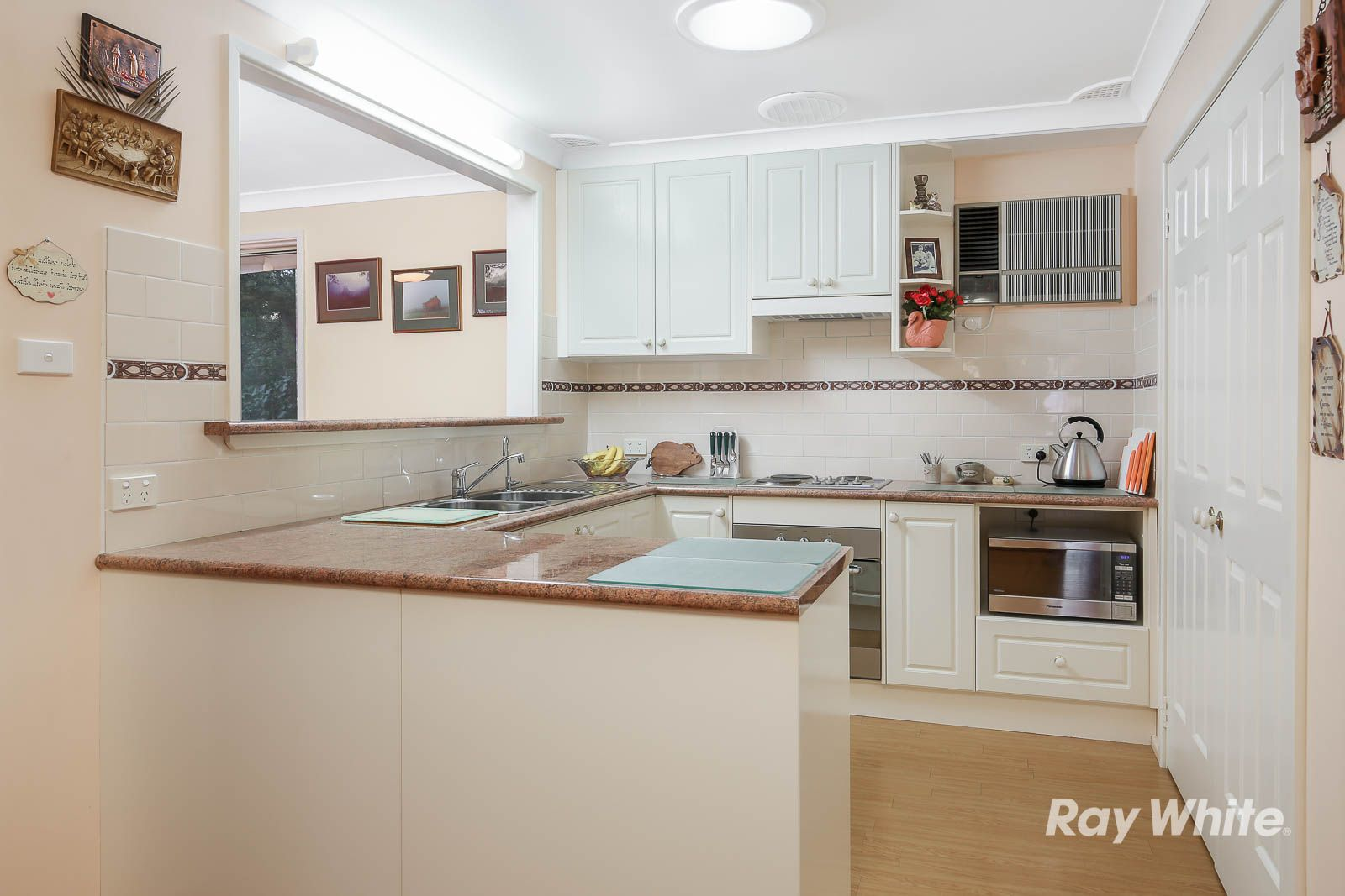 72 Roxborough Park Rd, Castle Hill NSW 2154, Image 2