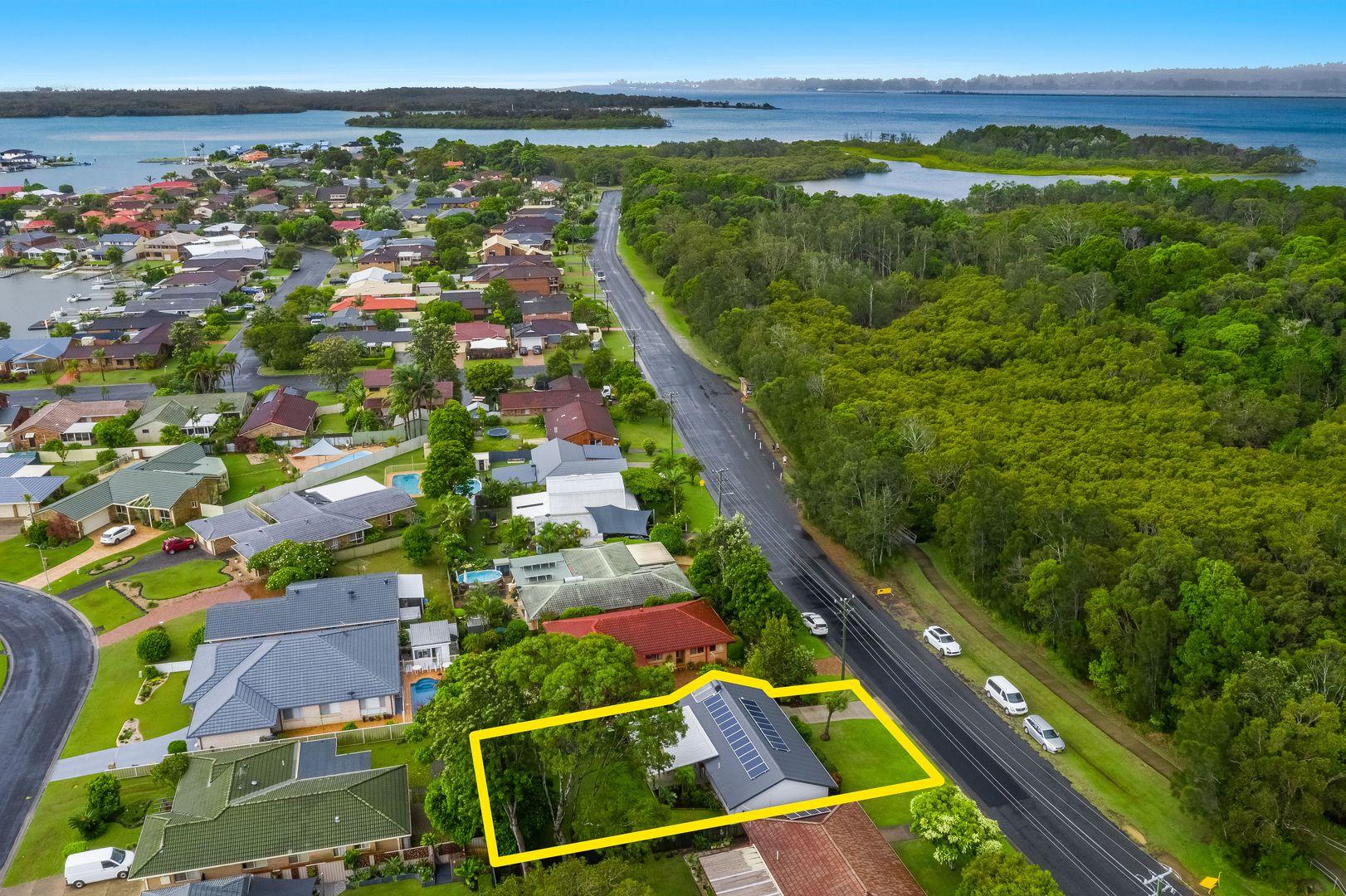 35 Shores Drive, Yamba NSW 2464, Image 1