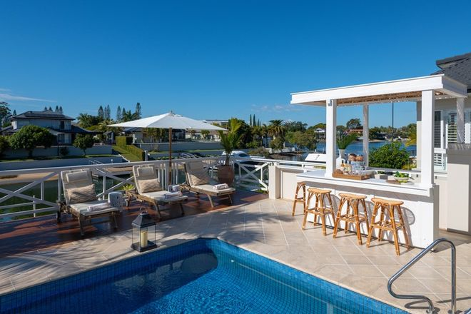 Picture of 16 Saint Tropez Terrace, SORRENTO QLD 4217